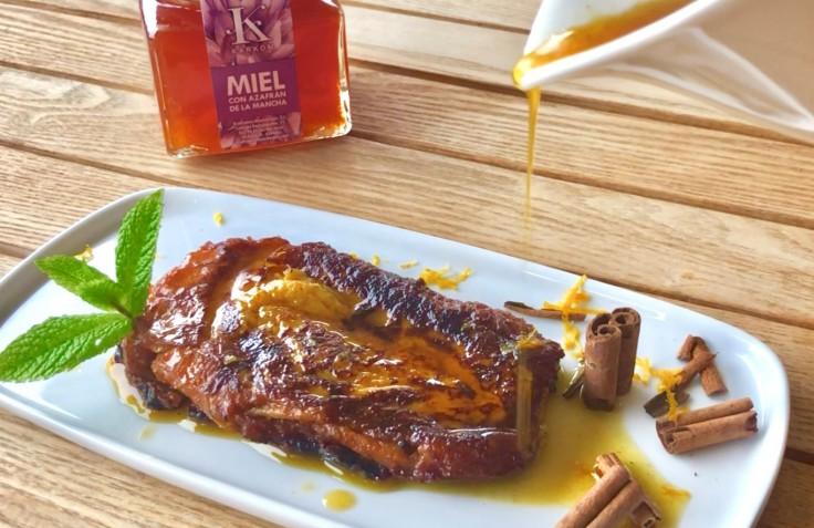 Almíbar de miel con azafrán y piña